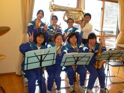 平成24年4月涼風の家中学生吹奏楽①.JPG