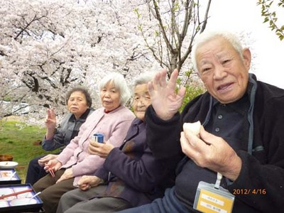 DSゆめさき 花見をしながら昼食.JPG