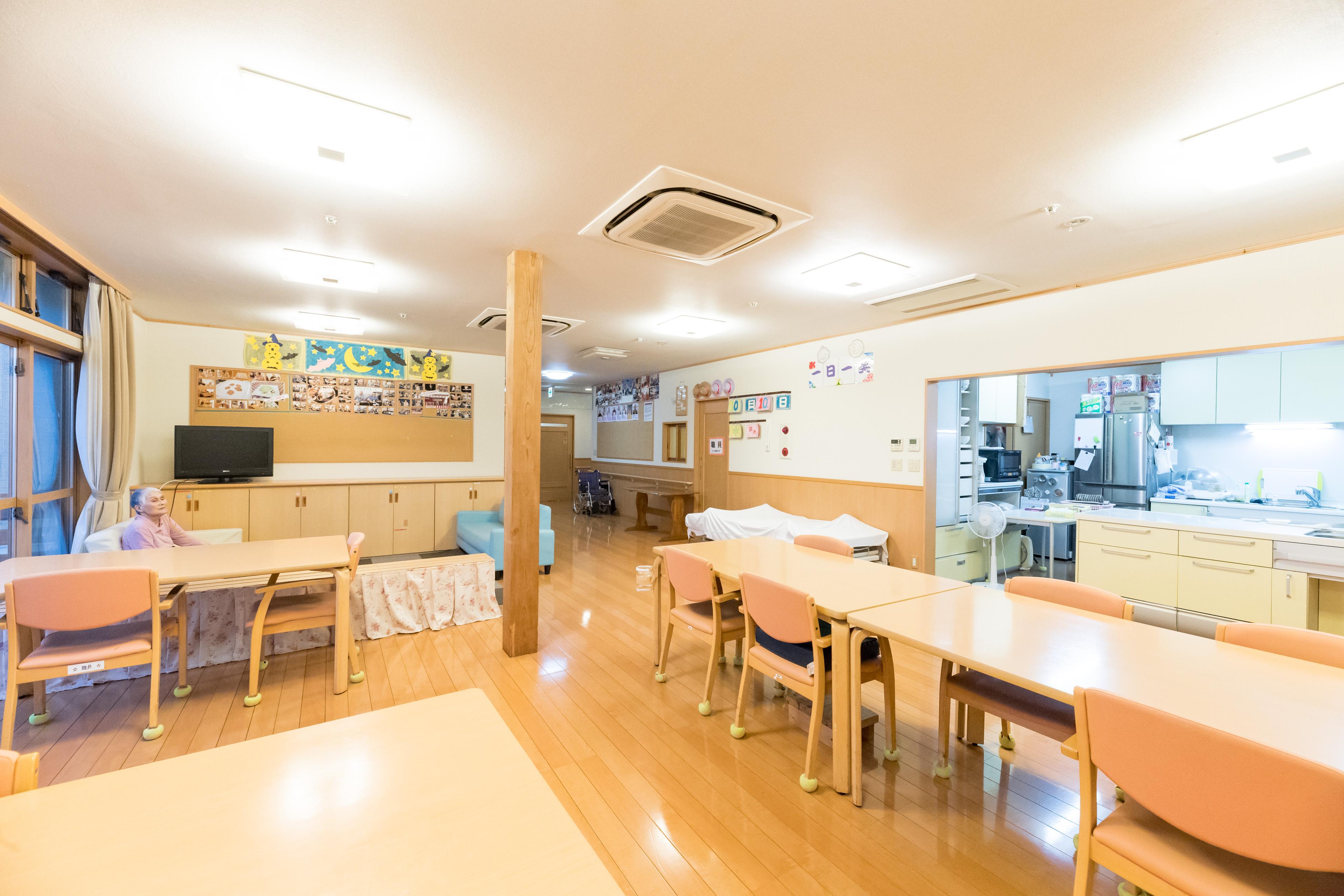 ホール&キッチン